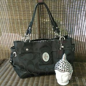 975a056f2ec2 Coach Peyton Signature Carryall in Black (14507)